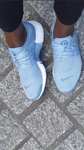shoes,nike shoes,baby blue