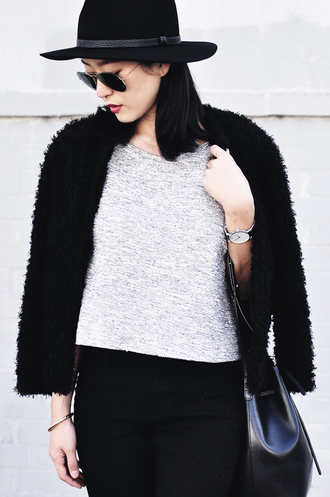 her imajination blogger jacket top bag sunglasses faux fur jacket jeans hat jewels shoes