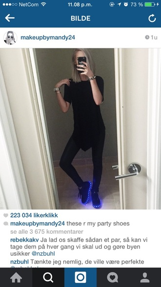 shoes neon light in the dark bue cool tumblr love make-up