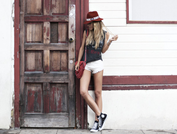 hat jewels t-shirt shorts bag shoes