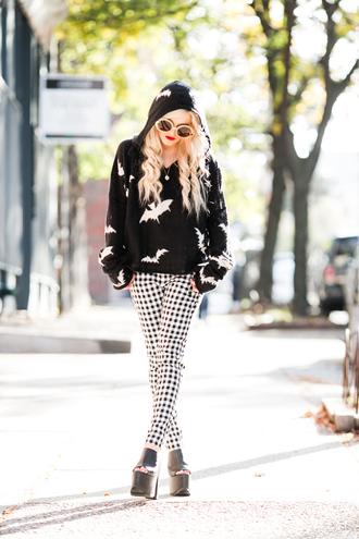 i hate blonde blogger gingham hoodie bats heels grunge rock