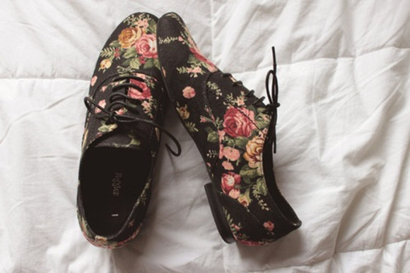 flowers black shoes oxfords oxford flats black oxfords pink, blue, print, flowers, crop top, crop, tops, flower print