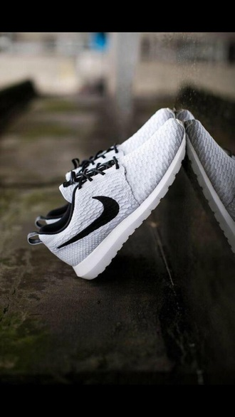shoes nike nike running shoes nike shoes nike roshe run cool black white gray grey