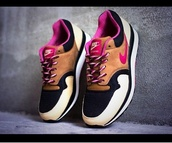 shoes,nike pegasus,pink,nike,pegasus,black,beige