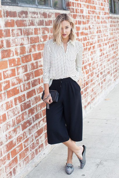 pants polka dotted shirt striped slippers black pants black culottes culottes palazzo pants shirt polka dots slippers bag black bag late afternoon blogger