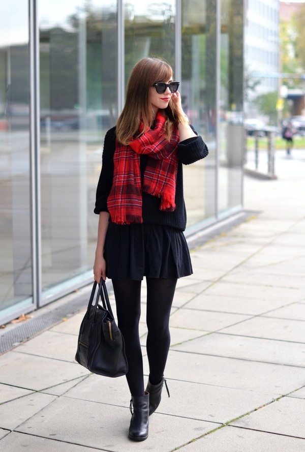 vogue haus blogger tights bag scarf sunglasses flannel scarf