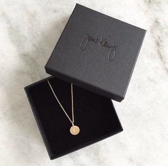 jewels jane gold round necklace