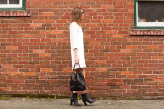 styling my life blogger white dress bucket bag