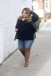 natalieinthecity,blogger,shoes,jeans,t-shirt,jacket,plus size,black sweater,black jacket,boots,suede boots,plus size jeans,curvy