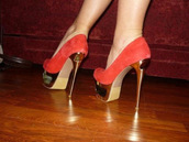 shoes,red,gold,pumps,high heels