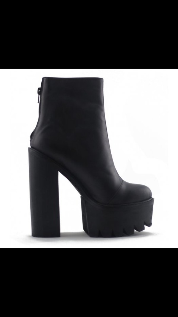 shoes black high heels chuncky