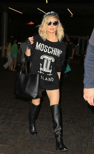 sweater top oversized sweater oversized oversized t-shirt t-shirt fergie moschino boots sunglasses