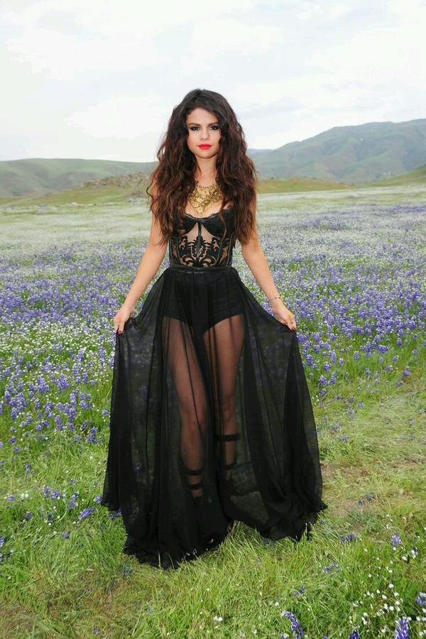 Super long prom dresses