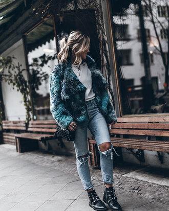 mikuta blogger jacket t-shirt jeans shoes bag jewels fur coat boots ankle boots shoulder bag faux fur jacket winter outfits