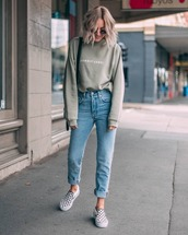 jeans,jeansd,enim,denims,sneakers,sweater,top