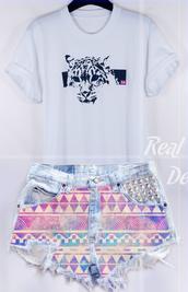 t-shirt,white,crewneck,tiger,pink,shorts,summer outfits,High waisted shorts,aztec,streetstyle,studs,denim shorts,denim,colorful,animal,casual,14,london,lion,t shirt print,t-shirt dress,tiger t-shirt,colourful shorts,pink 14,studded shorts,rolled sleeves,printed t-shirt