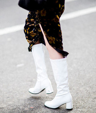 shoes nyfw 2017 fashion week 2017 fashion week streetstyle white boots knee high boots mid heel boots