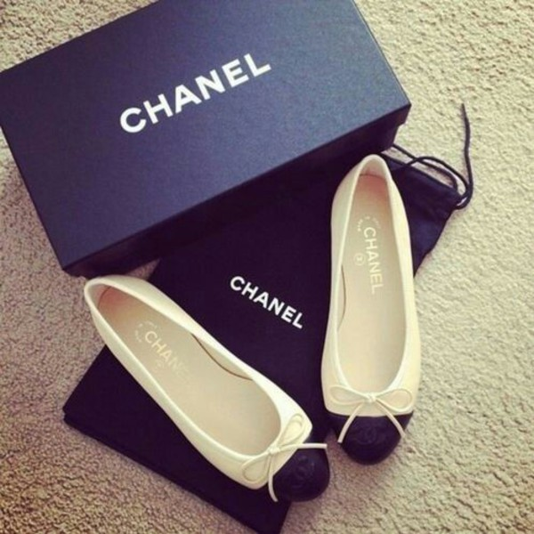 shoes chanel ballet flats black and white