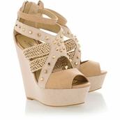 shoes,wedges,tan,spikes