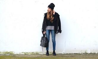 stella wants to die blogger jeans black coat black bag