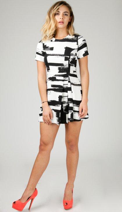 Brushstroke short sleeve pleat mini dress