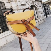 bag,yellow bag,handbag,crossbody bag,purse,vintae crossbody bag,bags and purses