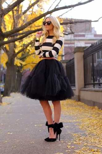 skirt black tulle skirt striped crop top bow heels