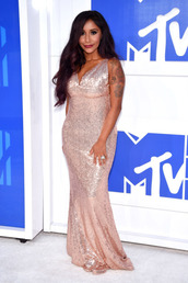 dress,vma,snooki,celebrity,pink dress,long dress,maxi dress,sequin dress,v neck,v neck dress,gown,bodycon dress