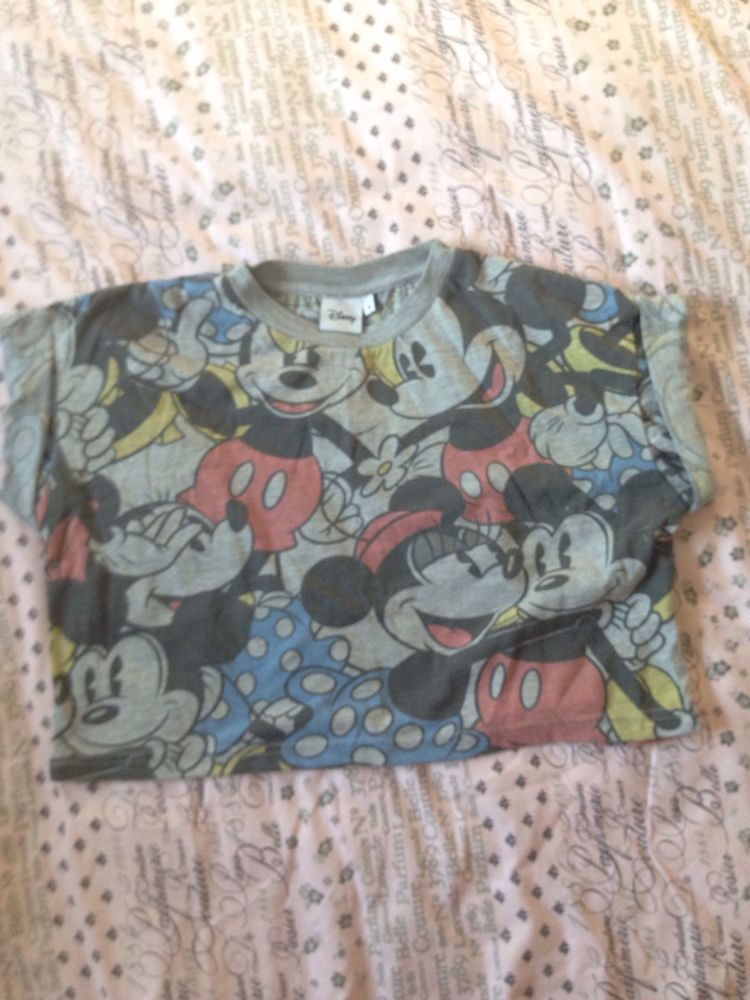 Disney mickey mouse cropped turnback sleeve top/t