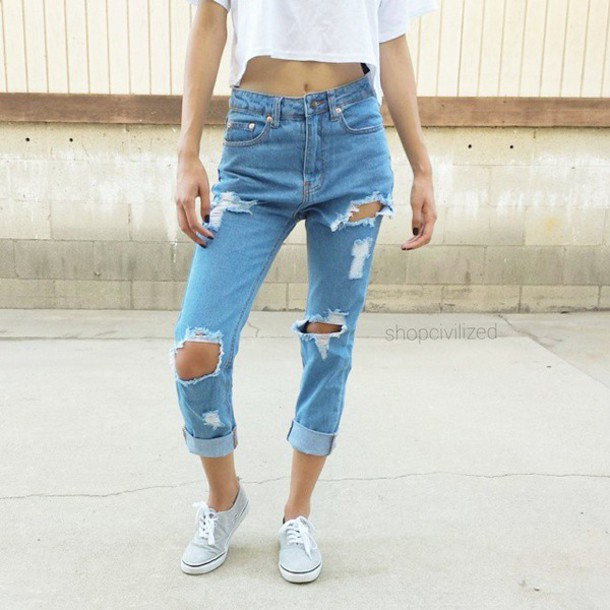 jeans boyfriend jeans blue jeans low waist perfect i need this short distroyed outfit outfit idea simple tee high waisted jeans high waisted jeans