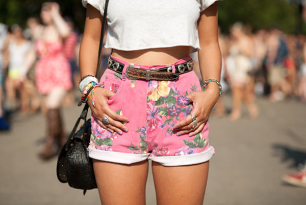 shorts pink demin shirt High waisted shorts floral clothes pink girly summer fashion fitness perfect belt bag jewels flowered shorts hawaiian hawaiian High waisted shorts style summer shorts hot pants jeans flowered shorts denim shorts