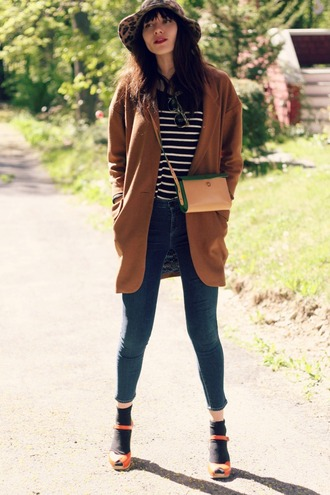 natalie off duty sweater jeans coat bag jewels sunglasses hat shoes