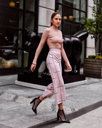 pants tumblr pink pants culottes cropped pants top pink top turtleneck shoes boots mesh