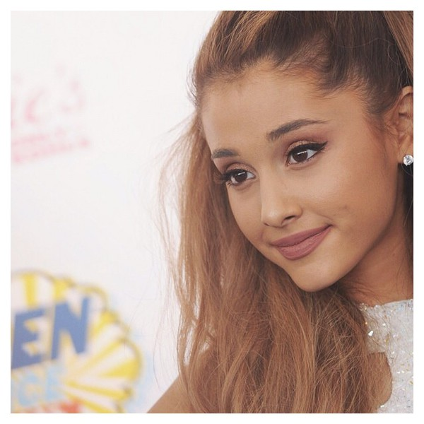 make-up ariana grande