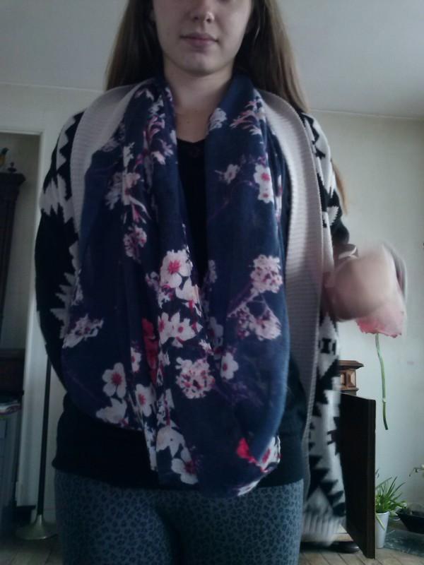 scarf fleurs