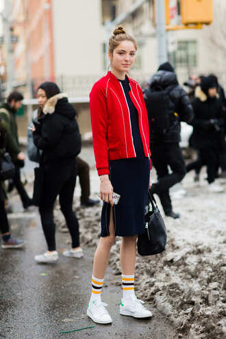 dress nyfw 2017 fashion week 2017 fashion week streetstyle midi dress blue dress zip midi knit dress knitwear knitted dress sneakers white sneakers socks bag black bag jacket red jacket