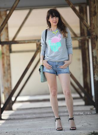 estelle blog mode shirt shorts jewels