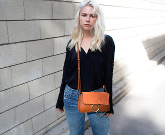 always judging blogger jeans black top leather bag