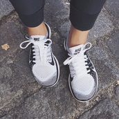 shoes,nike,nike shoes,black,white,mesh,nike sneakers