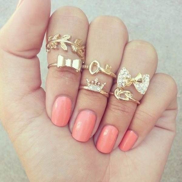 jewels ring leaves key crown hand nail polish