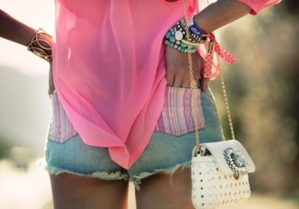 shorts pink shirt purse bracelets bag t-shirt jewels