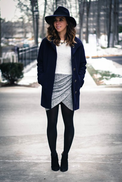 oh va darling blogger draped grey skirt