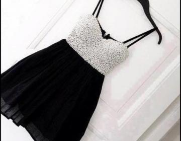 Cute black mini homecoming dress wi..