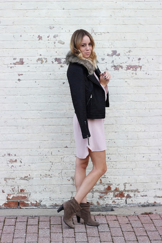 the whiskey wolf blogger faux fur collar pink dress fall jacket suede boots