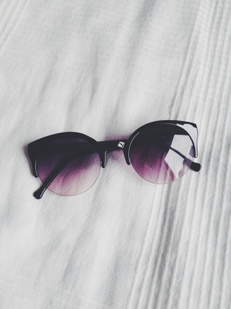 sunglasses black plum violet hot summer bikini cute dress cat eye make-up accessories sexy luxury cute glasses hipster fashion faded purple sunglasses black to purple purple