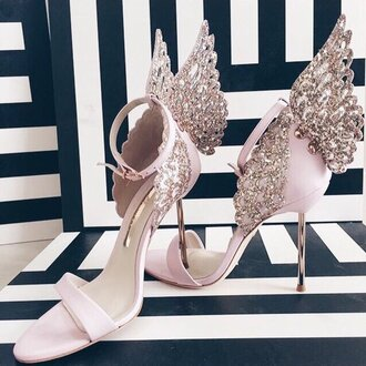 shoes wings heels pink diamind diamonds sparkle delicate tumblr baddies gold cute fancy sophisticated
