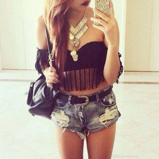 tank top bag shirt bra black shorts bralette jewels t-shirt blue gold short bustier denim jeans décoloré skinny collier belt mini bag smartphone corset top necklace top bra color