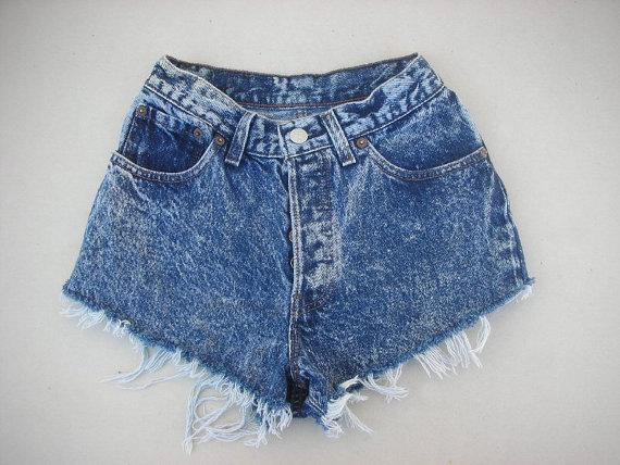 25 waist vintage levi levis denim acid wash destroyed frayed xx small shorts ..(303)