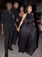 kim kardashian,black dress,dress,shoes,sandals