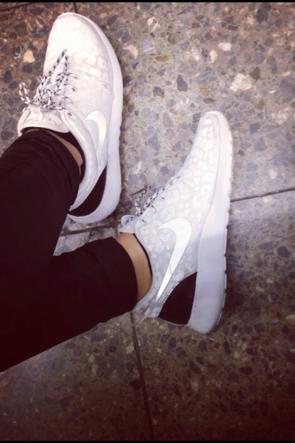 shoes nike nike roshe run leopard print